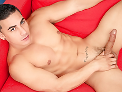 Topher keeps a strong cling to on his rock raw gigantic rod