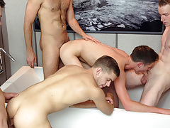 Bareback Orgy in Milwaukee