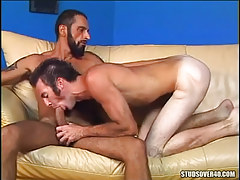 Mature bear gay sucked by friend
